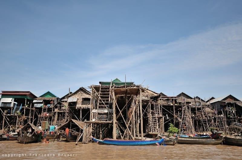 La cambogia rurale attraverso la lente di una macchina for Piccoli progetti di palafitte
