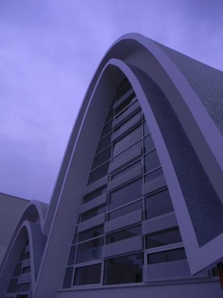Perle di architettura parrocchia san pio da pietrelcina for Nuova architettura in inghilterra