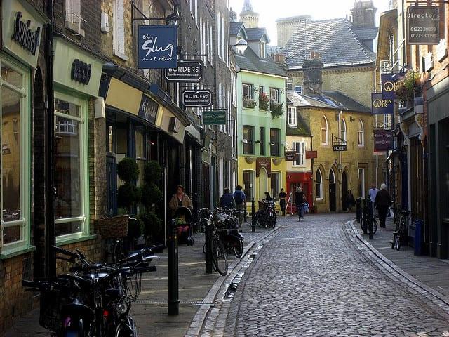 Cambridge: dalla storica università allo shopping