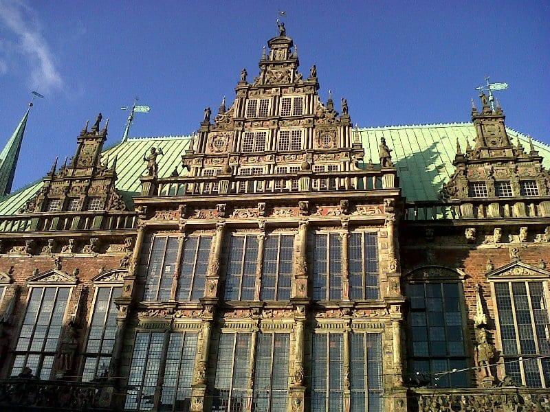 Leggende di brema in germania tra architettura e antichi for Nuova architettura in inghilterra