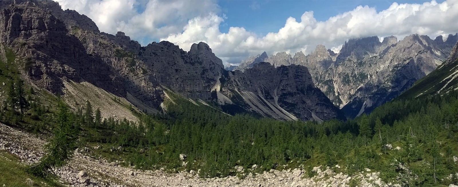 Escursione sulle Dolomiti friulane: sull'Alta via di Forni fino ai paesaggi della Val Meluzzo
