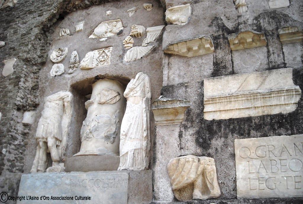 A Roma sull'Appia Antica: il mausoleo di Cecilia Metella e il Castello dei Caetani