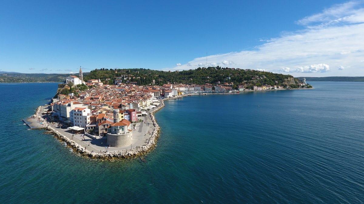 Pirano, Slovenia vista dall'alto con il drone (e consigli di viaggio)