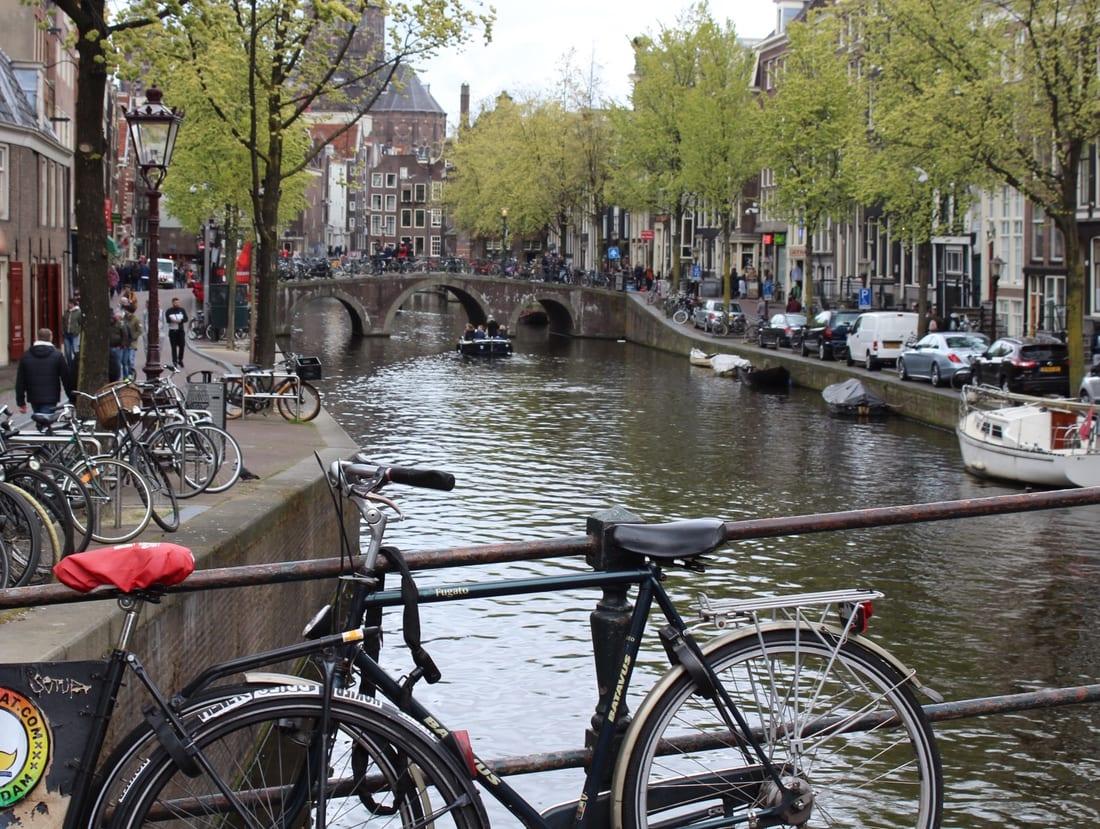 Cosa come e dove mangiare ad amsterdam for Amsterdam mangiare